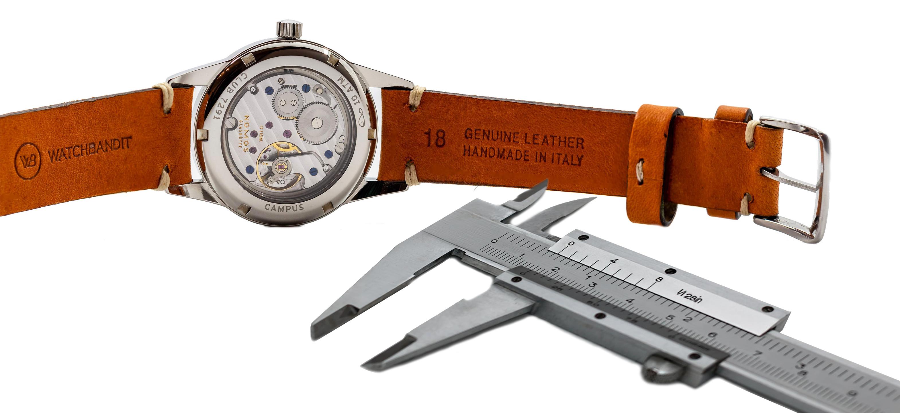 Messung der Stegbreite an einer Nomos Club 18mm vintage Leder Uhrenarmband