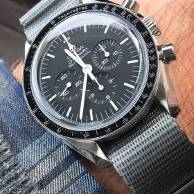 Omega Speedmaster Moonwatch Nato Grau WB Original by @swisswristshots