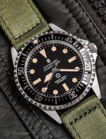 Steinhart Ocean One am grünen zweiteiligen NATO Armband