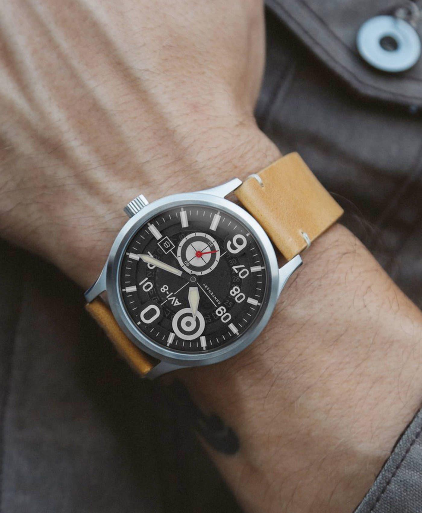 AVI 8 AV 4060 Piloten Uhr am Handgelenk