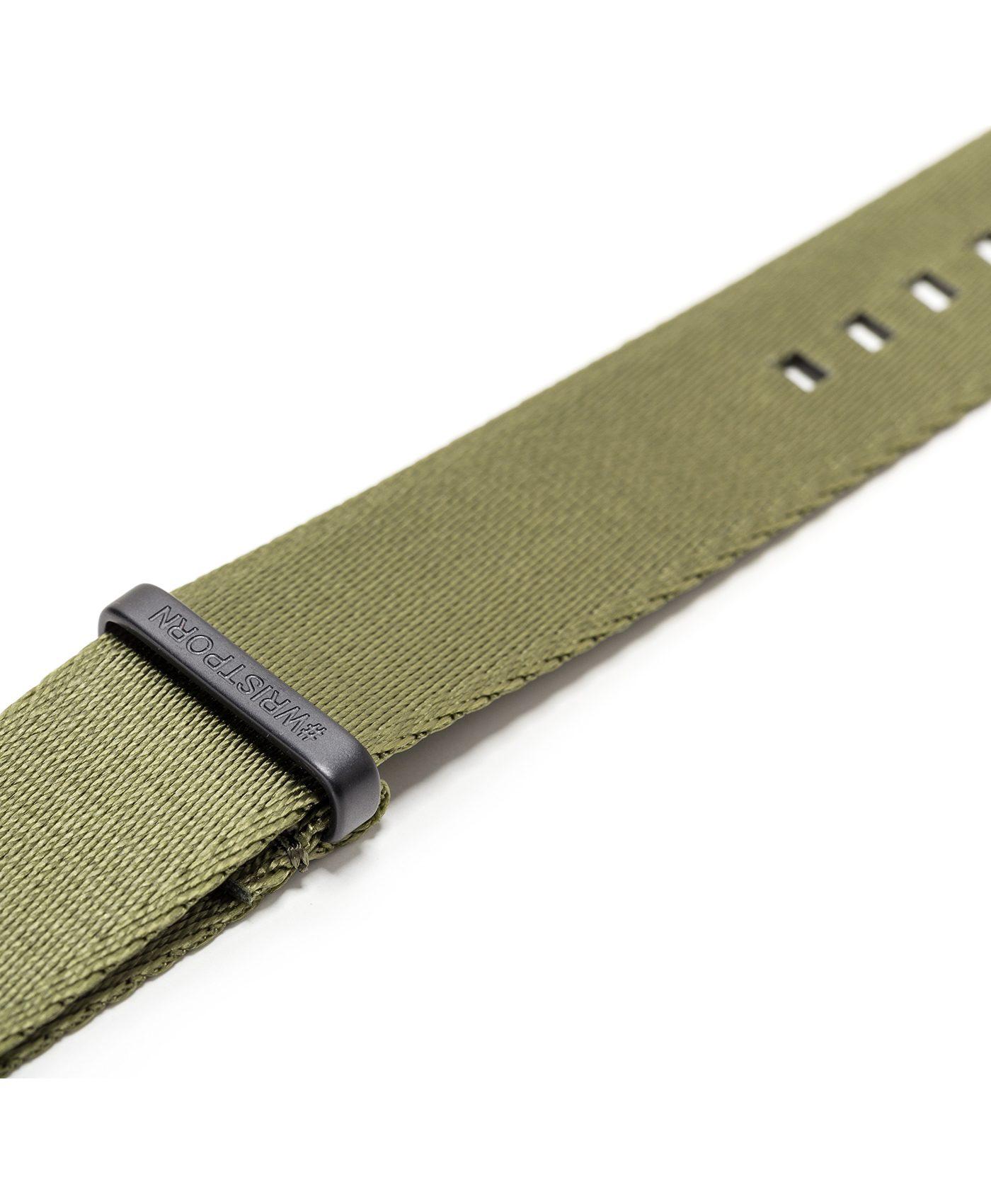 Watchbandit WB original Wristporn Nato strap in olive green close up