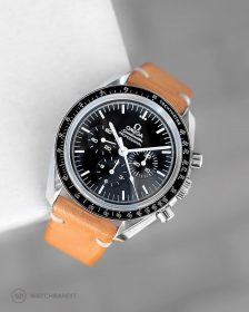 Omega Speedmaster an tanned vintage Lederarmband von Watchbandit