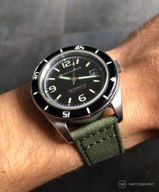 Spinnaker Fleuss SP-5055-02 am grünen Canvas von WatchBandit