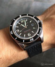 Spinnaker Fleuss SP-5055-02 am schwarzen Canvas von WatchBandit