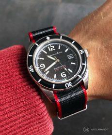 Spinnaker Fleuss SP-5055-02 am schwarz/roten klassischen NATO von WatchBandit