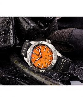 WB Ocean Crawler Dream Diver Dream Diver Orange Dial mood