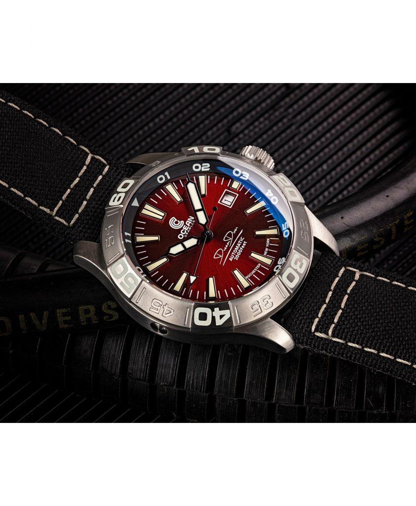 WB Ocean Crawler Dream Diver Dream Diver Red Dial mood