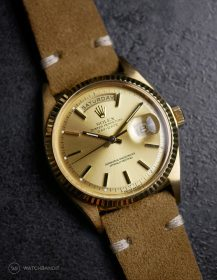 Rolex Day-Date an beigen Wildlederarmband von WB Original