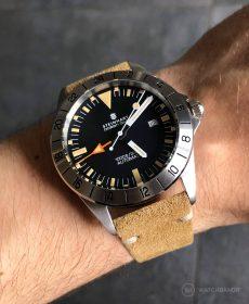 Steinhart Ocean Vintage GMT Strap guide beige Wildleder Uhrenarmband