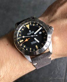Steinhart Ocean Vintage GMT Strap guide dunkelgrau Wildleder Uhrenarmband