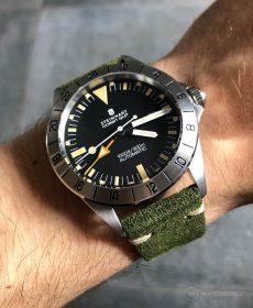 Steinhart Ocean Vintage GMT Strap guide grün Wildleder Uhrenarmband