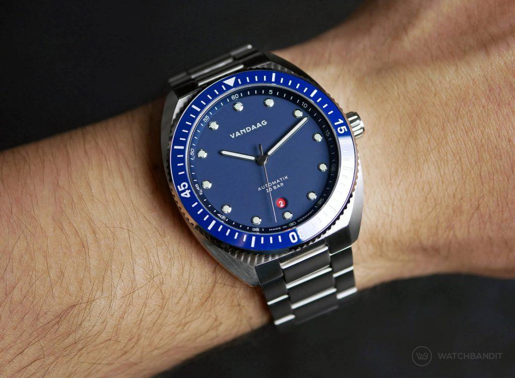 VANDAAG Tiefsee Automatik blau wristshot