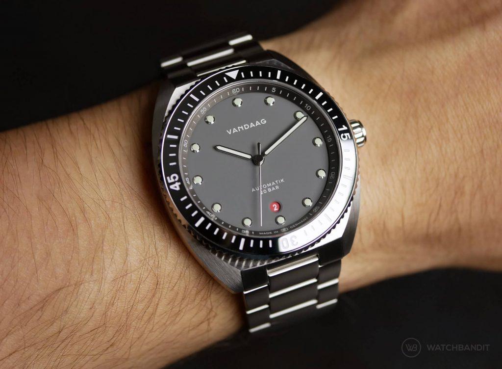 VANDAAG Tiefsee Automatik grau wristshot