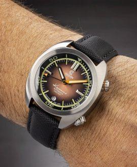 Ocean Crawler Great Lakes Diver Gradient Brown V2 wrist shot