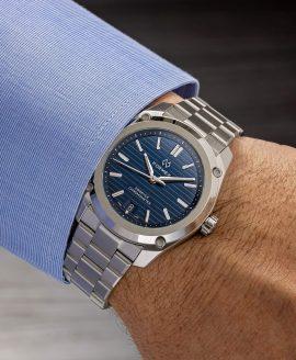 Formex - Essence FortyThree - Automatic Chronometer Blue dial - wrist shot-min