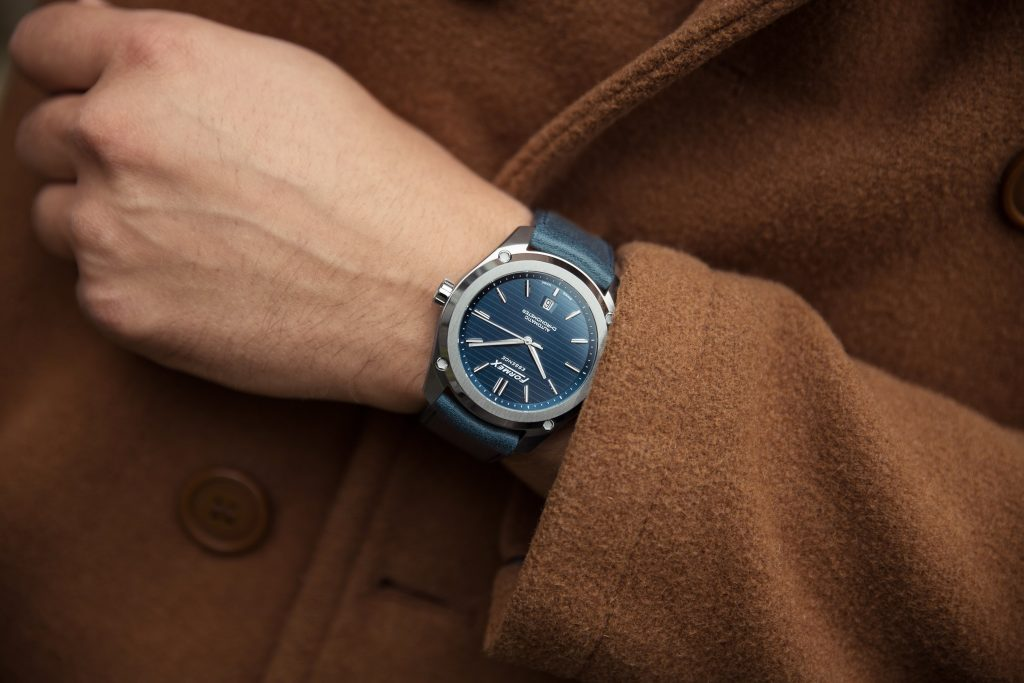 Formex Essence Automatik Chronometer blau