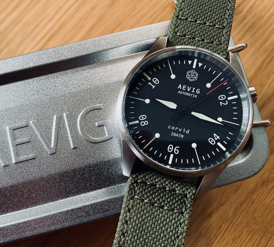 aevig_canvas_pilots_watch_watchbandit