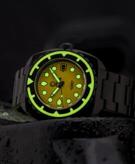 Esoteric-Watches_Bathyal Sol_lume shot